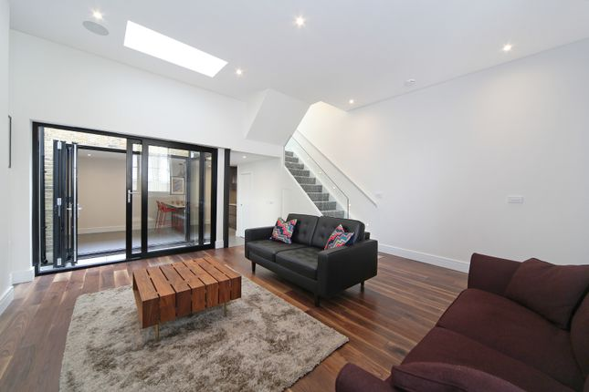2 bed property to rent in Jaguar House, Prothero Road, Fulham