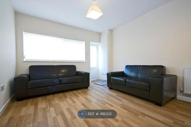 Thumbnail Flat to rent in Capstan Square, London