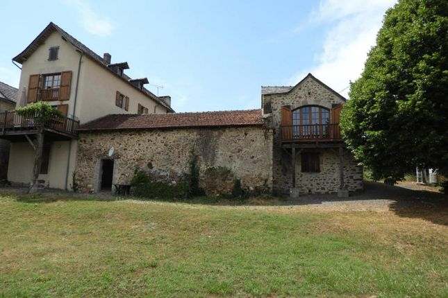 Properties for sale in najac commune najac for Atypic immo