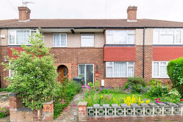 Thumbnail Terraced house for sale in Palmers Way, Cheshunt, Hertfordshire