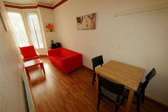 Thumbnail Flat to rent in Belle Vue Road, Hyde Park, Leeds