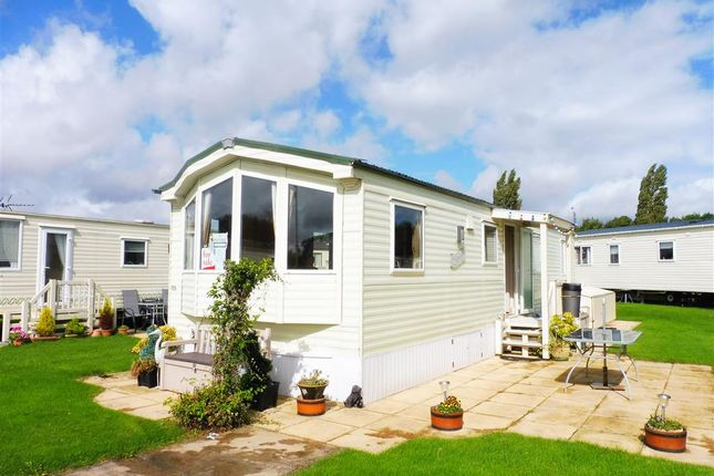 3 Bed Mobile Park Home For Sale In Broadway Lane South Cerney Cirencester