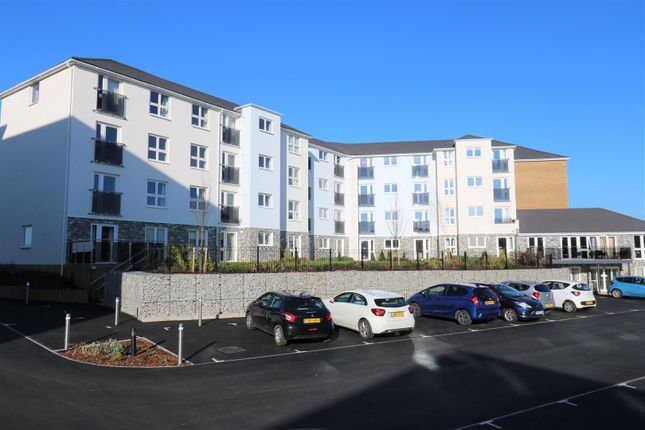 Thumbnail Flat for sale in Narrowcliff, Newquay