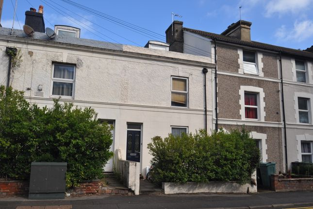 Thumbnail Terraced house to rent in Somerset Road, Ashford