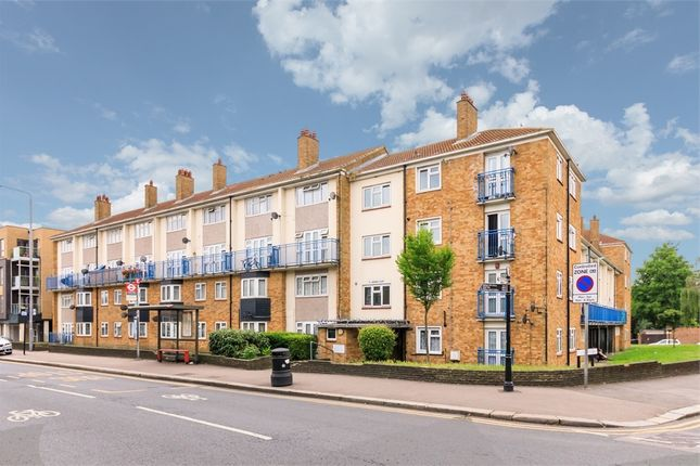 Thumbnail Flat for sale in St Andrew's Road, Walthamstow, London