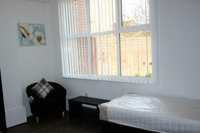 Studio to rent in Bishopton Lane, Stockton - On - Tees TS18