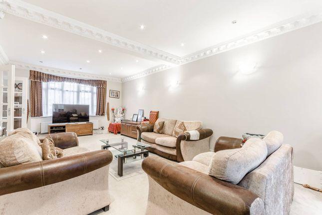 4 bed property for sale in Lea Bridge Road, Walthamstow