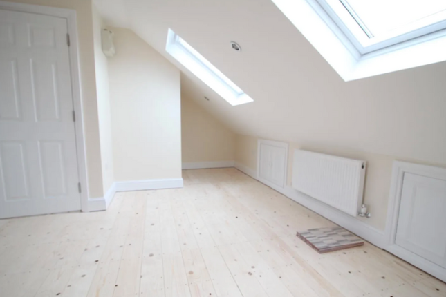 Thumbnail Property to rent in Doghurst Avenue, Harlington, Hayes