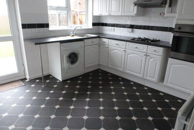 Thumbnail Terraced house to rent in Howlands, Welwyn Garden City