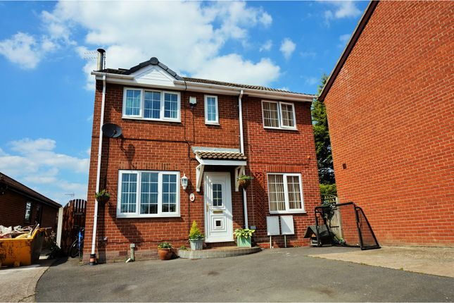 Thumbnail Detached house for sale in Windsor Close, Doncaster