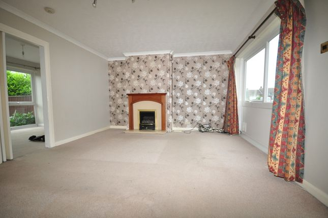 Thumbnail Semi-detached house to rent in Western Gardens, Crowborough