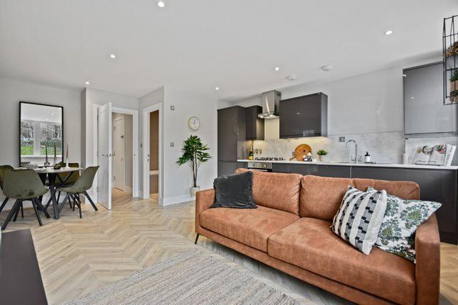 2 bed flat for sale in Buckingham Place. Bellfield Road, High Wycombe, Buckinghamshire HP13