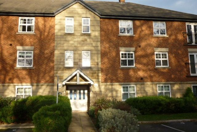 Thumbnail Flat to rent in Chapel View, Eastham, Wirral
