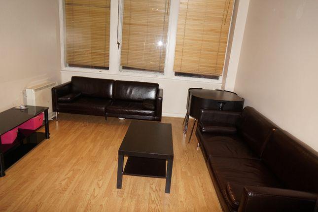 Thumbnail Flat to rent in Newington Causeway, London
