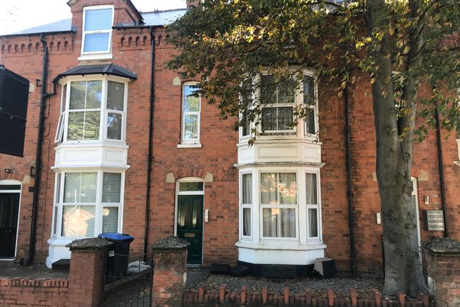 Thumbnail Flat to rent in Alcester Road, Stratford Upon Avon