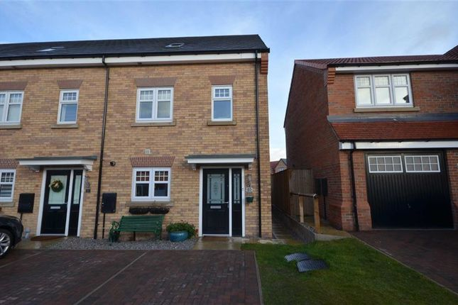 3 bed end terrace house for sale in Ilberts Way, Pontefract