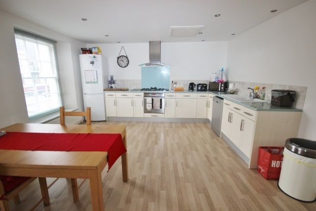 Thumbnail Flat to rent in Hill Road, Clevedon