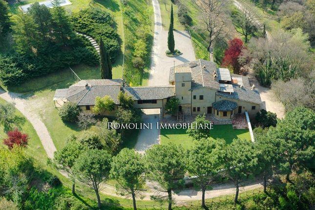7 bed villa for sale in Collazzone, Umbria, Italy