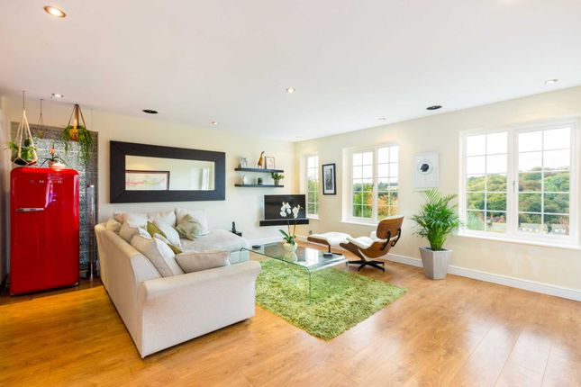 Thumbnail Detached house to rent in Haywards Close, Henley-On-Thames