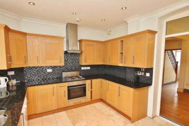 Thumbnail Shared accommodation to rent in Berne Road, Thornton Heath