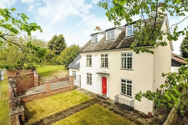 Thumbnail Detached house for sale in Southill Road, Broom, Biggleswade
