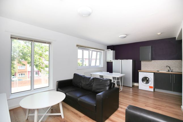 Flat to rent in New Mills, City Centre, Newcastle Upon Tyne