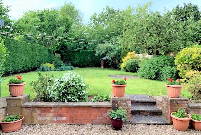 Garden of Overslade Lane, Rugby CV22