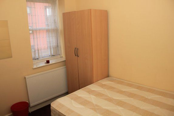 Thumbnail Room to rent in Limehouse, London