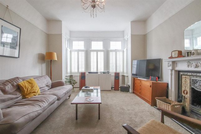 Lounge of Cotswold Road, Westcliff-On-Sea SS0