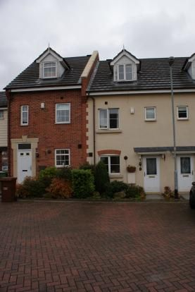 Thumbnail Semi-detached house to rent in Woodhead Close, Ossett, Wakefield, West Yorkshire