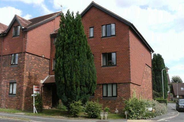 2 bed flat to rent in School Hill, Lamberhurst, Tunbridge Wells