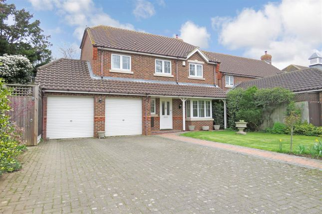 Thumbnail Detached house for sale in The Avenue, Biggleswade
