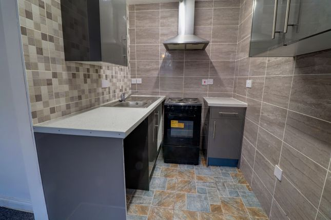 1 bed flat to rent in The Royal, Southgate, Eckington S21