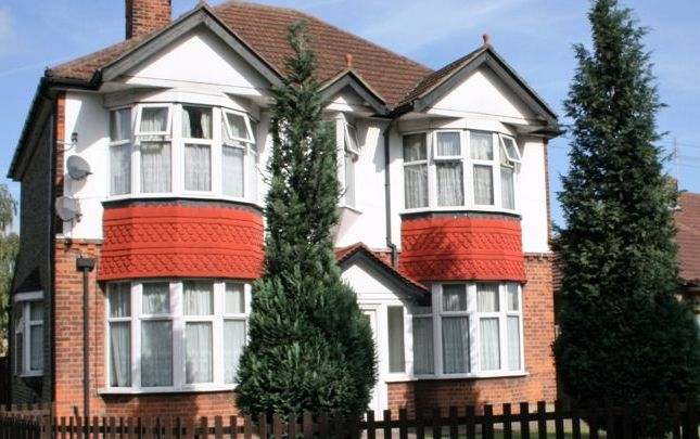 Thumbnail Property to rent in Brentwood Road, Gidea Park, Romford