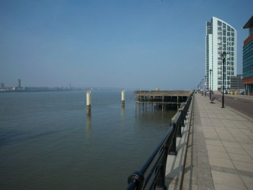 2 bed flat to rent in Princes Parade, Liverpool