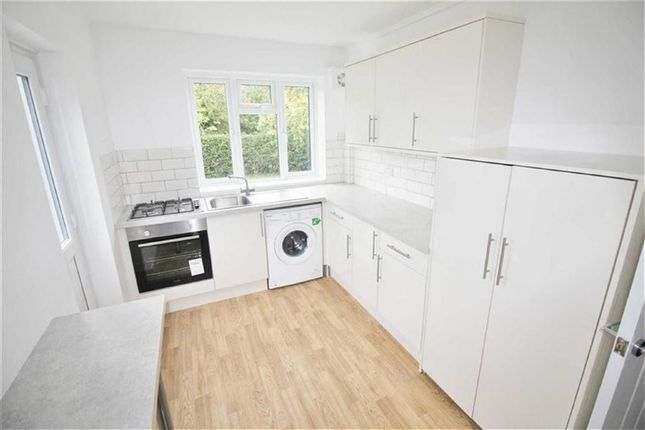 Thumbnail Maisonette for sale in South Drive, Potters Bar, Hertfordshire