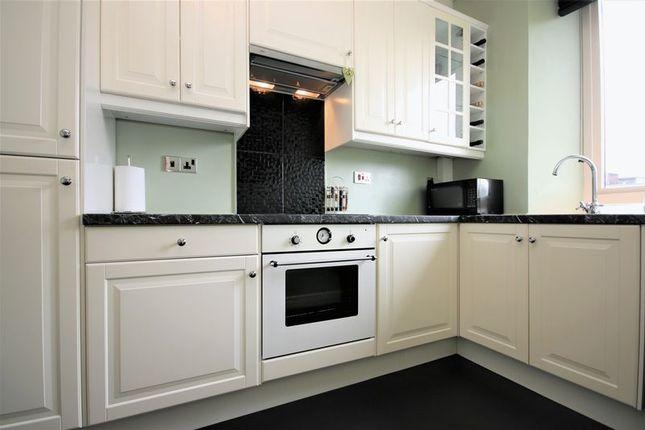 Kitchen (2) of Main Street, Linlithgow Bridge, Linlithgow EH49