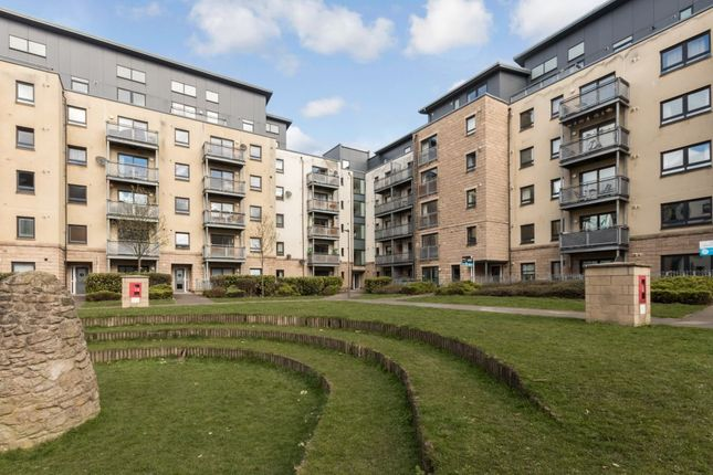 Flat for sale in 4/2 Hawkhill Close, Edinburgh