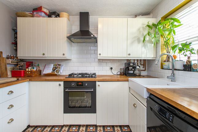 Terraced house for sale in Turle Road, London