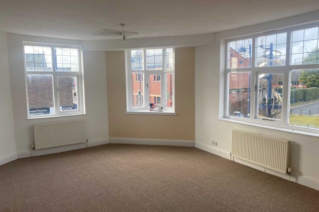 3 bed flat to rent in High Street, Bilston WV14