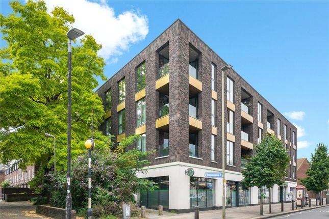 Thumbnail Flat for sale in Falcon Road, Battersea, London