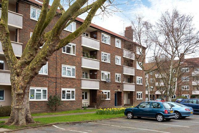Thumbnail Flat to rent in Brick Farm Close, Kew, Richmond