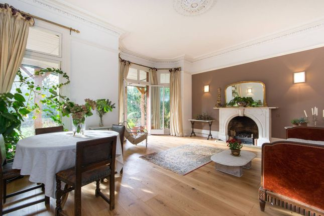 Thumbnail Flat to rent in Arterberry Road, Wimbledon Village