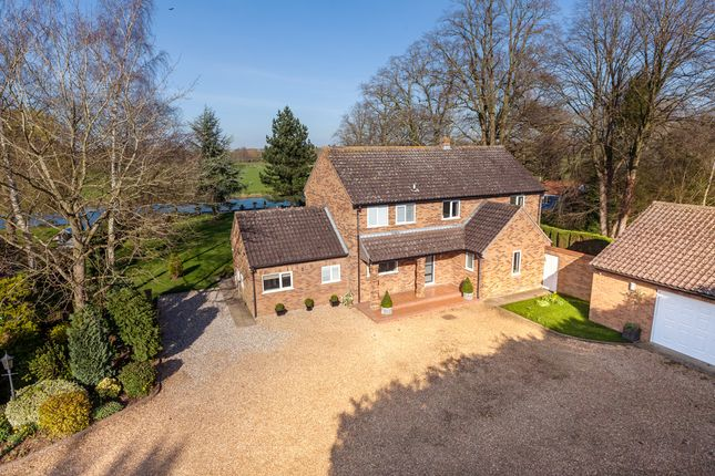Thumbnail Detached house for sale in River Meadow, Hemingford Abbots, Huntingdon