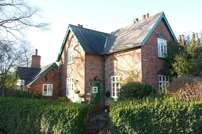 Thumbnail Cottage for sale in The Avenue, Great Coates, Grimsby