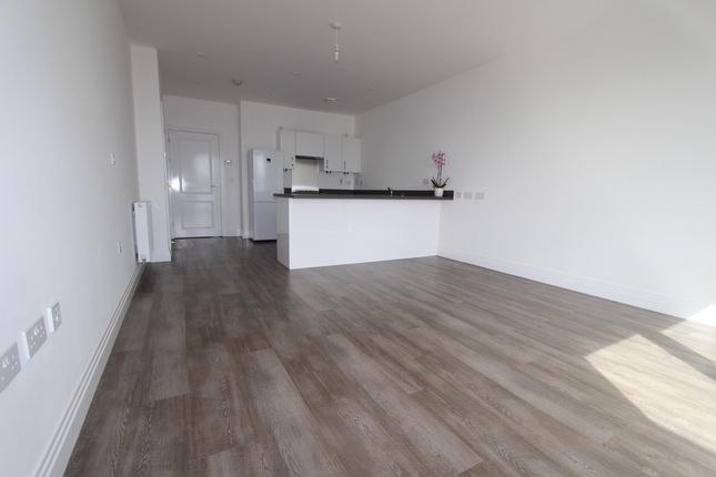 Thumbnail Flat to rent in Studio Way, Borehamwood
