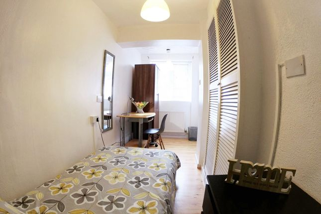 Thumbnail Room to rent in Staunton Court, Lincoln