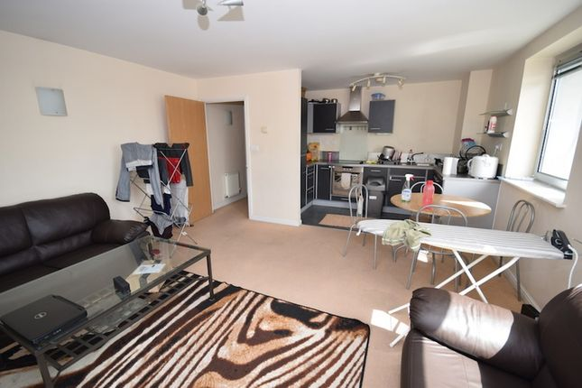Thumbnail Flat for sale in Axon Place, Ilford, Essex