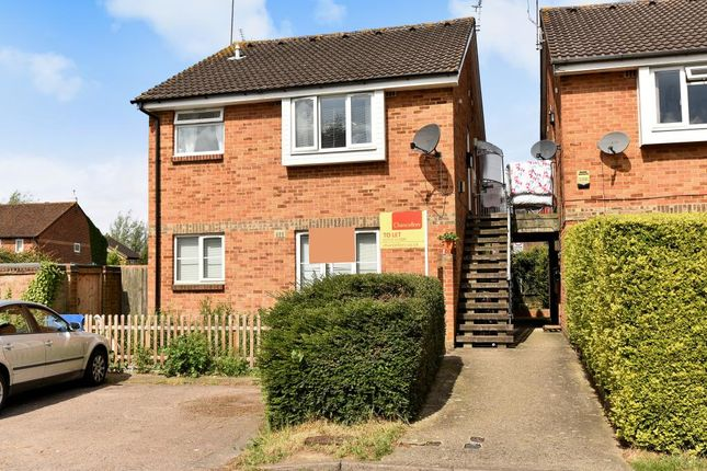 Thumbnail Maisonette to rent in Boulters Close, Slough