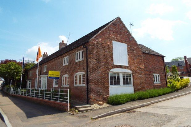 2 bed property to rent in High Street, Rugeley WS15